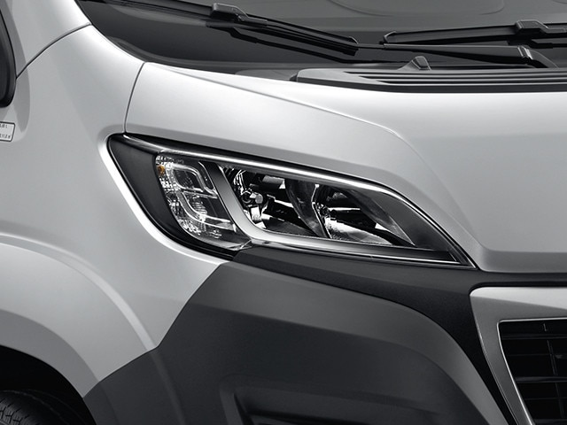 Peugeot-Argentina-Boxer-Faros